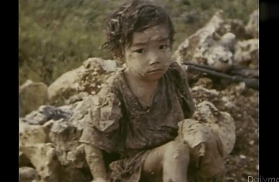 沖縄戦 泥にまみれて怯える幼い少女