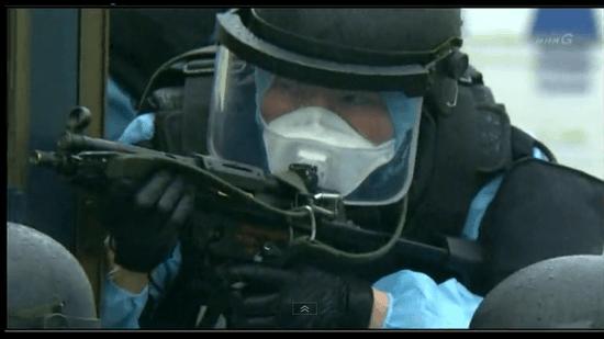 警察と海上保安庁の特殊部隊による「合同訓練」の様子