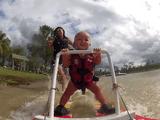 生後7ヶ月半の赤ちゃんが水上スキーに挑戦