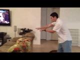 「波動拳!」スタイルで遊ぶリス