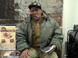 めっちゃええ声!ニューヨークの地下鉄で熱唱してるホームレス風のおっちゃん
