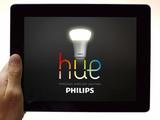 お洒落♪ iPhoneから自由自在に操作できるLED電球「hue(ヒュー)」のデモムービー