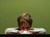 4歳児がマシュマロを食べずに我慢できるか?という実験映像が面白カワイイ