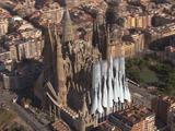 2026年に完成するとかしないとか言われている大聖堂「サグラダファミリア」を、もう面倒だから空撮とCGで完成させちまおうぜ!的な超美麗映像