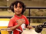 世界中の子供たちが「Don't Worry Be Happy」を歌い継ぐ