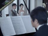【大泣き注意】 結婚式で新婦の父親がピアノを弾き始めるCMが感動的すぎる
