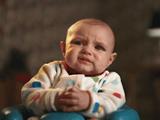 赤ちゃんがウンチをするときの表情/「苦悶」から「至福」に変わる瞬間を極上のスローモーション映像でお届け