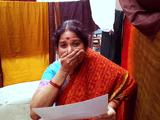 Google Glass(グーグルグラス)を着けてインドの実家に里帰り、母親に「妻が妊娠したこと」を報告するショートムービーが素敵すぎる!