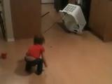 超単純な「罠(ワナ)」にまんまと引っ掛かる子供