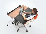エンボディチェア×エンベロップデスクがオフィスの標準になれば、もうレッドブルは要らない!/お洒落で機能的で作業効率UP間違いなし!のワーキングスペース