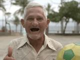 ブラジル人は、「チビッ子」も「おじいちゃん」も「お兄さん」も「綺麗なお姉さん」も、とにかくみんなサッカーが上手い?