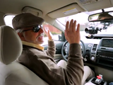 Googleが完全自動運転のデモ/最初のドライバーは、視覚障害があるため普通のクルマを運転できない男性