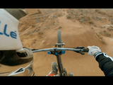 フワってなる!フワって!オフロード自転車で専用のコースを走るライダー目線の映像
