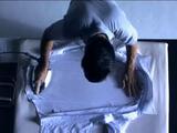 プロの職人によるアイロンがけテクニック【Yシャツ編】