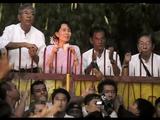 アウン・サン・スー・チー氏の解放は、不正選挙を隠すために巧妙にタイミングを謀った上で行われた。この瞬間、世界のマスコミは「ミャンマーが民主化へ動き出した」と報じた