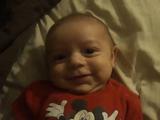 ママの笑い声に凍りつく赤ちゃん