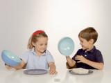 ホッコリ実験映像♡ 「子供は何も教えなくても食べ物を分け合える」