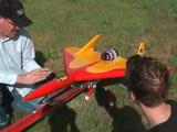 まるで戦闘機。時速586kmで飛ぶラジコン飛行機